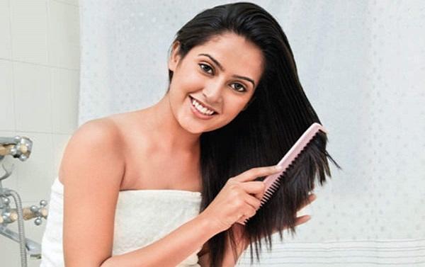 Combing Tips : વાળ ઓળાવતી વખતે તમે પણ કરો છો આ ભૂલો? તો તેના કારણે પણ વાળ ખરવા લાગશે…