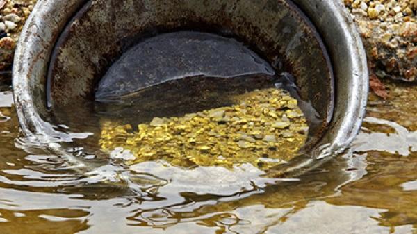 Gold found from river in rainy days: દરવર્ષે  વરસાદની સિઝનમાં અહીંથી મળી આવે છે સોનુ…! વાંચો ભારતના આ સ્થળ વિશે
