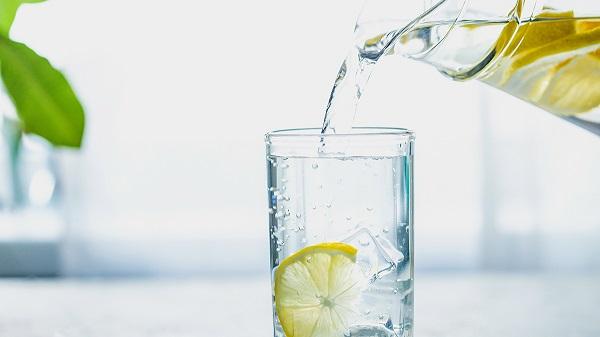 health benefits drinking lemon water