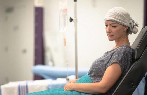 Cancer treatment without chemotherapy: હવે ફેફસાં અને સ્તન કેન્સરની સારવાર કેમોથેરપી વિના પણ કરી શકાશે- વાંચો વિગત