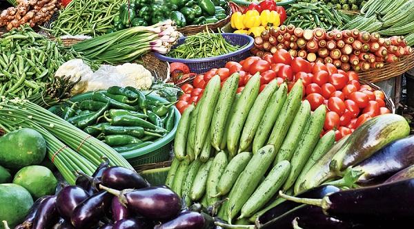 Vegetable inflation price: ગૃહિણીઓનું બજેટ ખોરવાશે, પેટ્રોલ-ડિઝલ બાદ શાકભાજીના ભાવ આસમાને- ટામેટા થયા સૌથી મોંઘા
