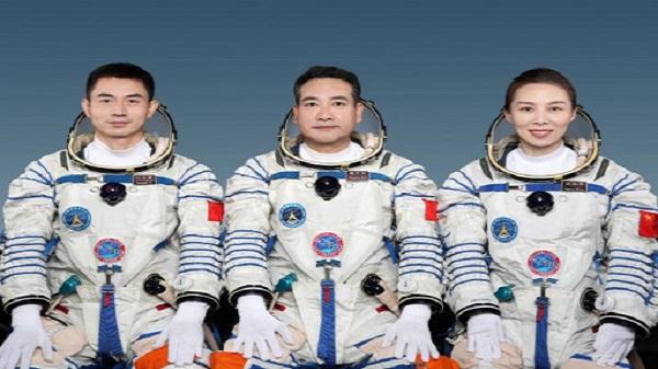 chinese astronauts enter space: ચીનના ત્રણ અવકાશયાત્રી સ્પેસ સ્ટેશન પહોંચ્યા,ચીને પહેલી વખત મહિલા અંતરિક્ષયાત્રીને અવકાશમાં મોકલી- વાંચો વિગત